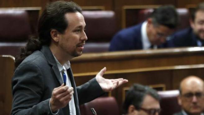 Iglesias, durante su turno de preguntas a Rajoy.