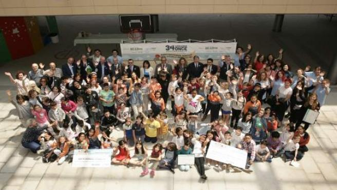 Estudiantes participantes en el concurso escolar de la ONCE