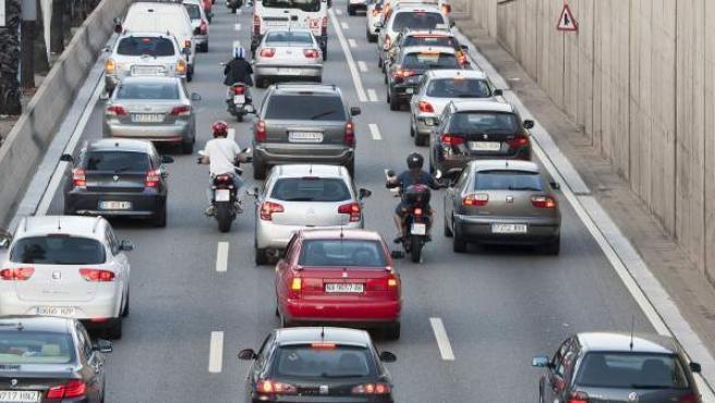 Motos en uno de los accesos viarios a la ciudad de Barcelona.