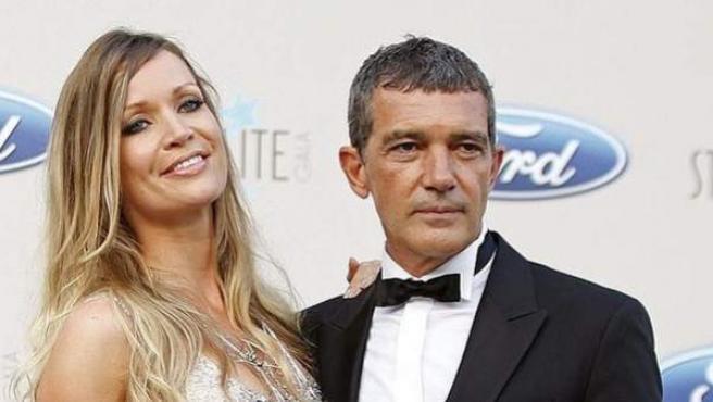 Antonio Banderas y su novia, Nicole Kimpel, en la gala Starlite.