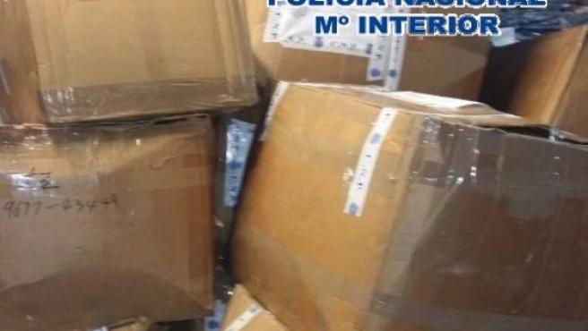 Policía Nacional Nota De Prensa 'La Policía Nacional Interviene 4.223 Camisetas