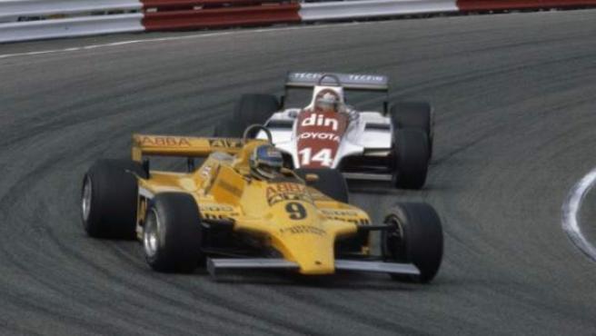 Slim Borgudd, al volante del ATS patrocinado con las pegatinas del grupo ABBA.
