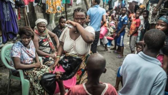 El ébola azota África.