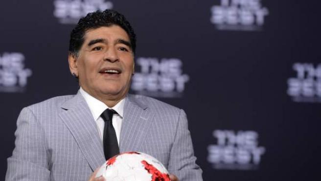Maradona, uno de los mejores jugadores de la historia.