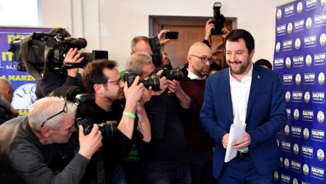 Mateo Salvini (dcha), líder de la Liga Norte (LN).