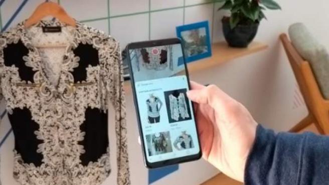 La herramienta usa Google Lens para identificar imágenes de productos de ropa y decoración para casa.