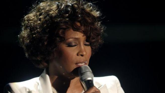 La cantante Whitney Houston, durante una actuación en la televisión alemana en 2009.