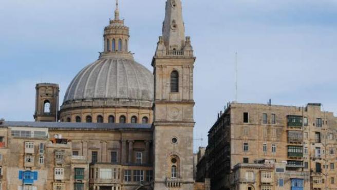 Vista desde el agua de La Valeta, la capital de Malta y Patrimonio Mundial de la UNESCO.
