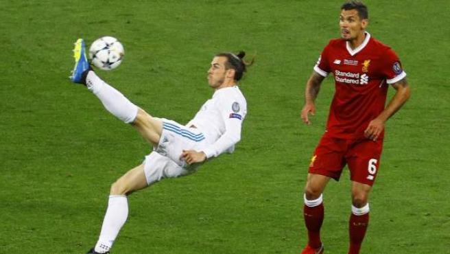 Momento en el que Gareth Bale remata de chilena en la final de la Champions.