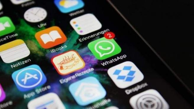 Mensajes de Whatsapp en un 'smartphone'.