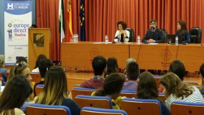 Conferencia en la UHU sobre la Unión Europea.