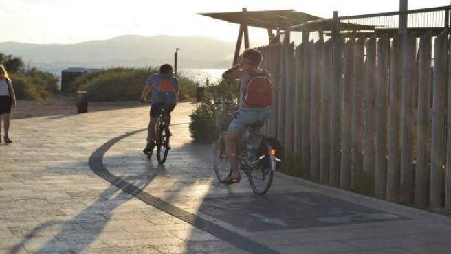Bicicletas, paseo, Es Carnatge, carril bici, turistas
