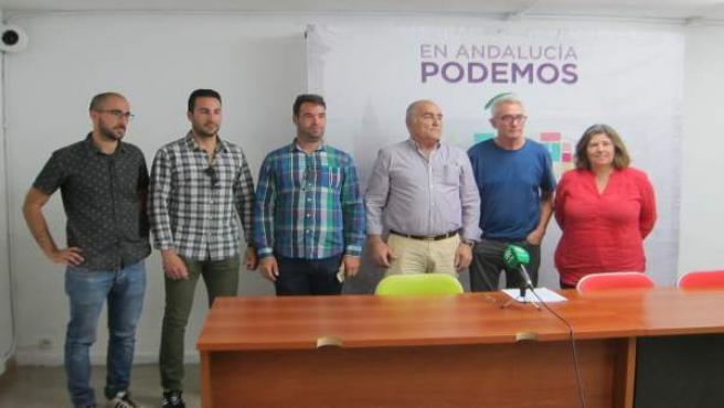 Bomberos forestales con Diego Cañamero