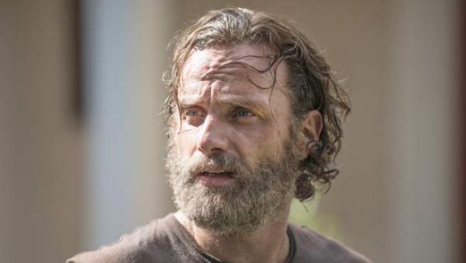 Andrew Lincoln, en el papel de Rick Grimes, en una imagen de la quinta temporada de 'The Walking Dead'.