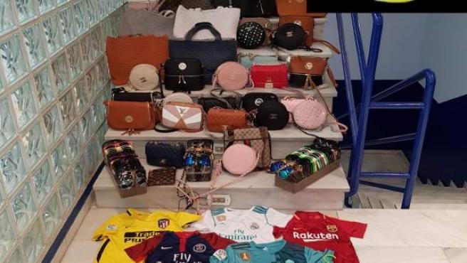 Material intervenido en marbella falsificaciones policía local