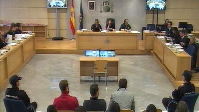 Un momento del juicio a los ocho acusados de agredir a dos guardias civiles y sus parejas en Alsasua, Navarra, en octubre de 2016.