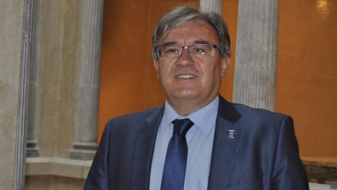El Justicia de Aragón, Ángel Dolado.