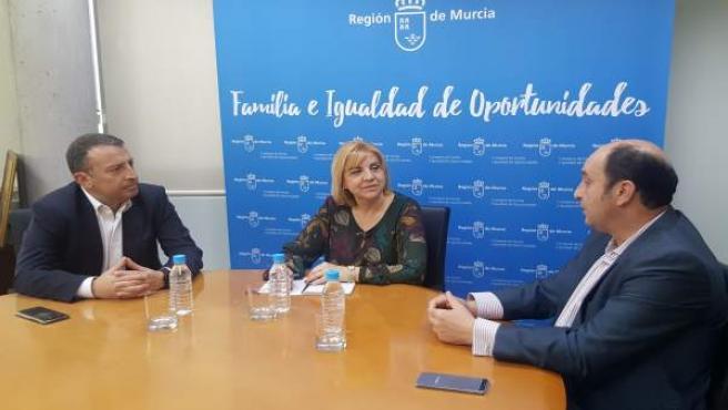 Violante Tomás con el director general de la Fundación Vodafone España
