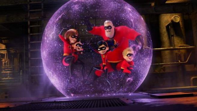 Escena de 'Los Increíbles 2' con la familia al completo.