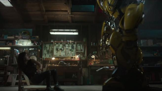 Tráiler de 'Bumblebee': 'El gigante de hierro' en versión 'Transformers'