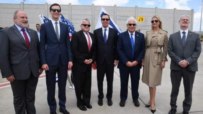 Los funcionarios estadounidenses llegan a la inauguración previa de la Embajada de los Estados Unidos en Jerusalén.