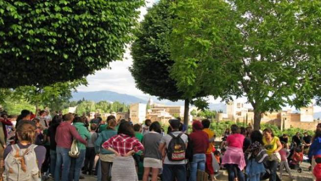 Concentración en San Nicolás por el comedor del Gómez Moreno