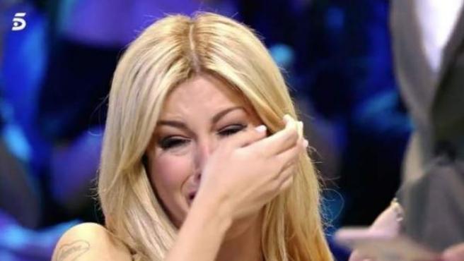 La exconcursante de Supervivientes, incapaz de aguantar las lágrimas tras la ruptura con su última pareja.