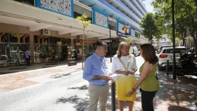 Alcaldesa de marbella visita unas obras