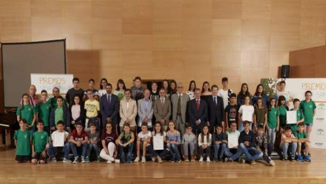 Ganadores y finalistas en la categoría Forma Joven