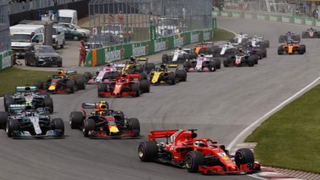 Salida del Gp de Canadá de Fórmula 1, con Vettel liderando.