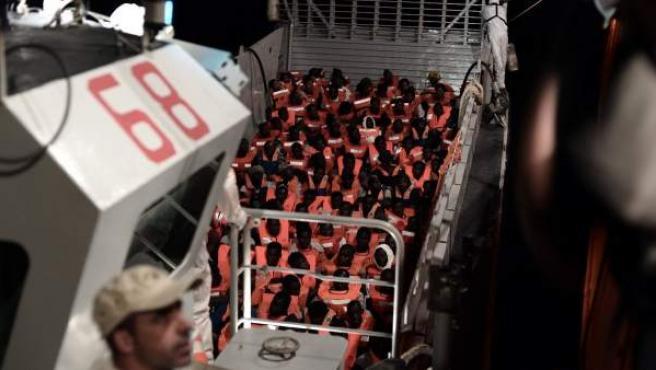 Inmigrantes rescatados por el 'Aquarius' en el Mediterráneo Central.