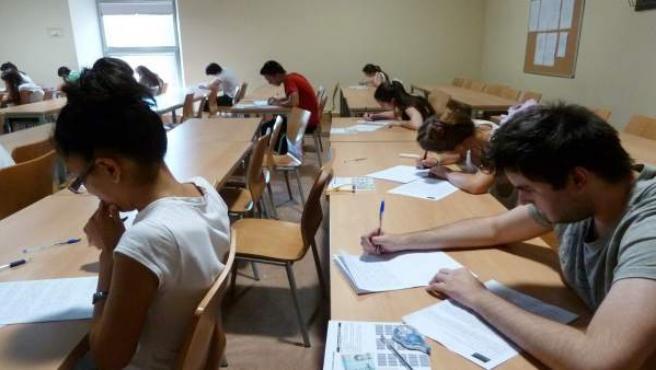 Exámenes, alumnos, estudiantes, selectividad, prueba, universitarios