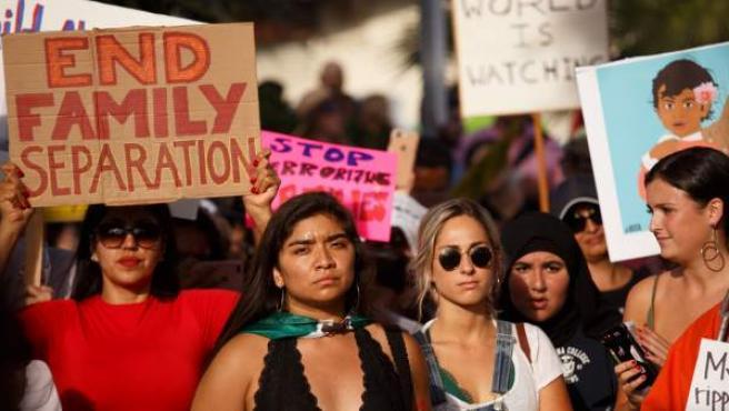 Protesta contra la política de Trump de separar a los niños inmigrantes detenidos de sus padres.