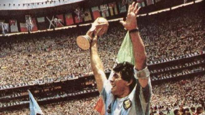 Diego Armando Maradona, tras ganar el Mundial de México 1986.