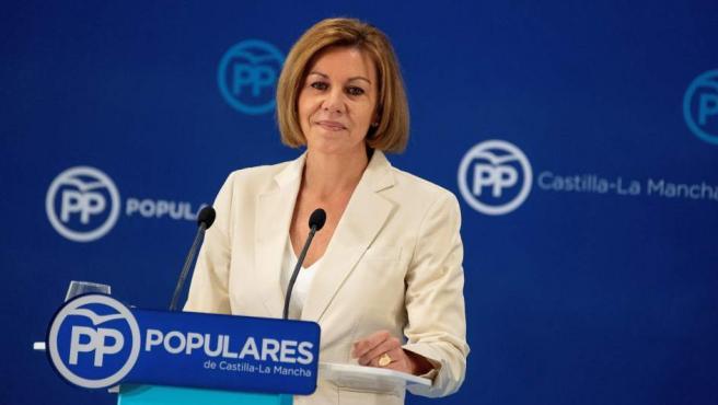 La secretaria general del PP, María Dolores de Cospedal, durante la intervención para anunciar su candidatura para presidir el partido.
