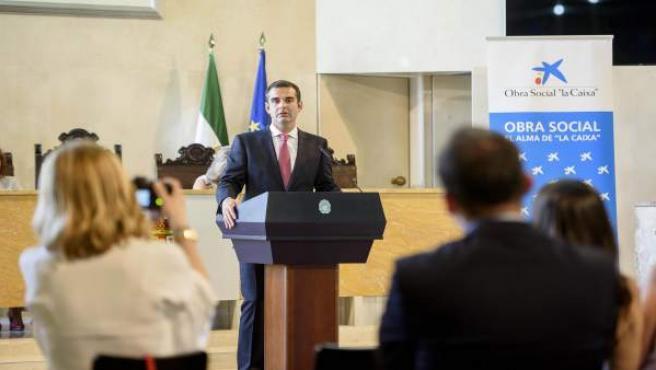 El alcalde elogia la labor de seis colectivos seleccionados por La Caixa por sus proyectos de carácter social
