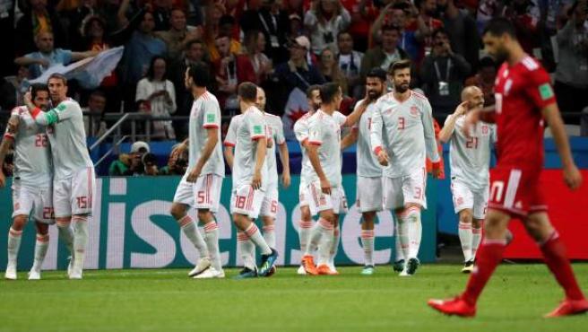 Los jugadores de la selección española celebran el 1-0 ante Irán.