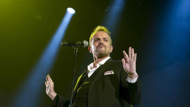 El cantante nació como Luis Miguel González Bosé el 3 de abril de 1956 en Panamá.