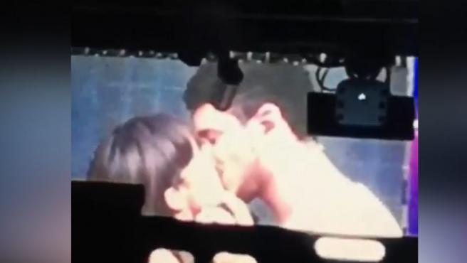 El esperado beso de Aitana y Cepeda en público se produjo durante el ensayo del concierto de 'OT' en Madrid.
