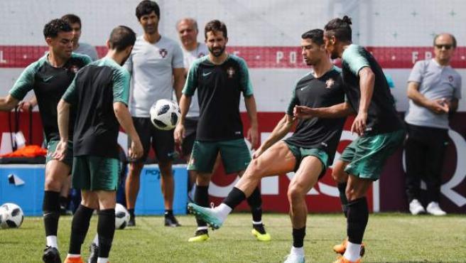 Los jugadores de Portugal, entrenando en el Mundial de Rusia.