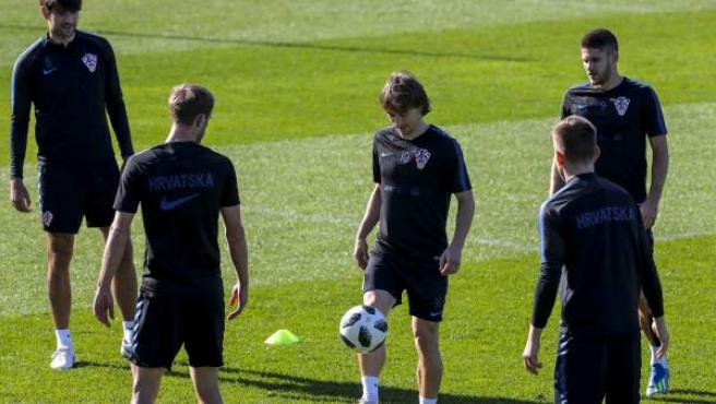 Jugadores de la selección de fútbol de Croacia, entrenando en Rusia.