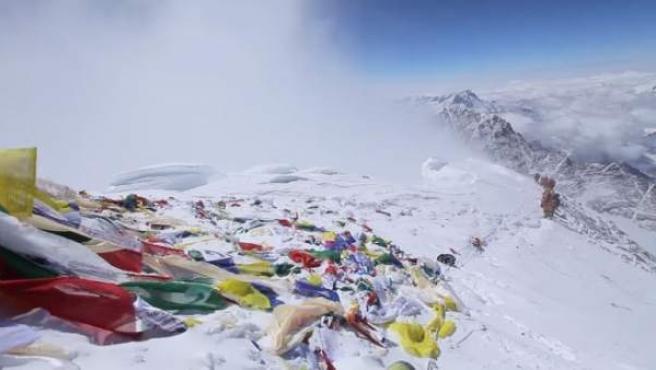 Captura del vídeo que recoge los últimos metros de la subida del Everest.