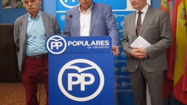 Los concejales del PP Carlos Fernández, Antonio Martínez y Jesús Enríquez