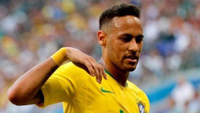Neymar, con la camiseta de la selección brasileña.