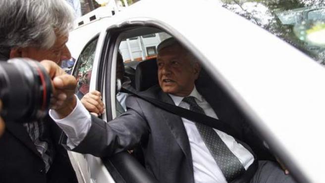 El presidente electo de México, Ándres Manuel López Obrador, llega a su sede de campaña, tras una reunión con el presidente mexicano, Enrique Peña Nieto, en Palacio Nacional en Ciudad de México.