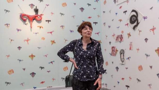 Annette Messager en su 'Habitación de los úteros' instalada en el IVAM