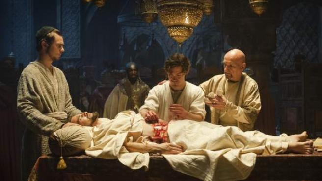 Una imagen de la adaptación cinematográfica de 'El Médico'.