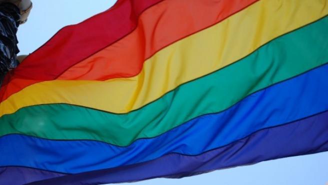 Bandera del Orgullo LGTBi.