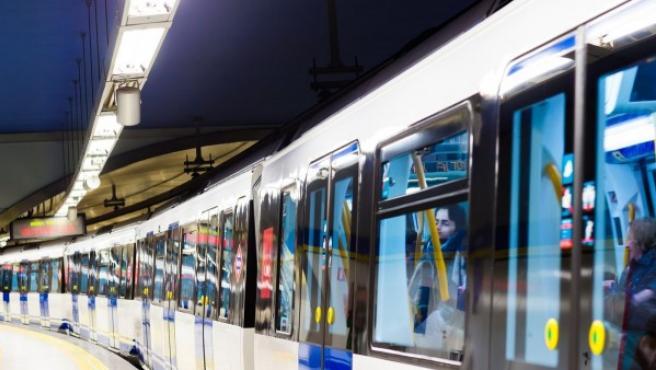 Tren de Metro de Madrid.