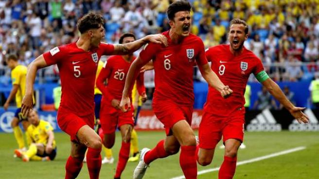 Los jugadores de Inglaterra celebran su victoria ante Suecia.
